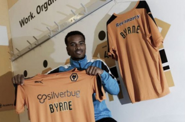 Swindon winger Nathan Byrne joins Wolves