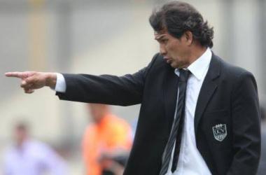 Franco Navarro jugará su segunda final como D.T. La primera fue en 1998 con Sporting Cristal. (Foto: elcomercio.pe)