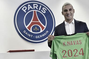 Paris Saint-Germain oficializa extensão de contrato do goleiro Keylor Navasaté 2024