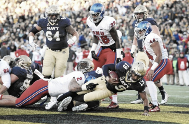 The Navy Midshipmen score a touchdown vs the SMU Mustangs at Navy-Marine Corps Stadium in 2015.