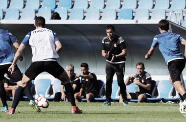 Asier Garitano animando y dando instrucciones a sus jugadores durante el partidillo / Foto: Real Sociedad