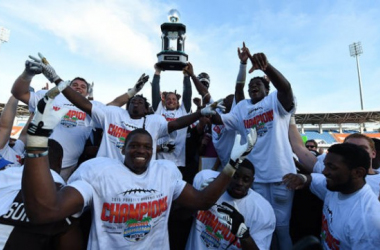 Coach P.J. Fleck celebrates with his players after winning the Popeyes Bahamas Bowl.Source: GS Photo