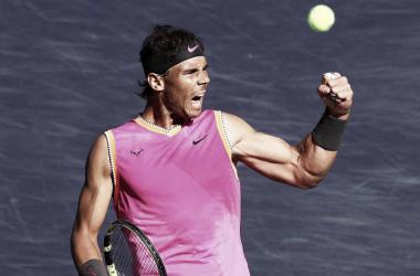 Nadal supera problemas físicos, vence Khachanov e vai encarar Federer em Indian Wells