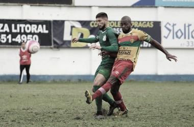Zagueiro Neguete ressalta cuidados em retorno presencial aos treinos no Brusque