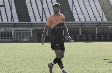 Lateral Neuton exalta empenho coletivo no Ypiranga para disputar finais do Gauchão