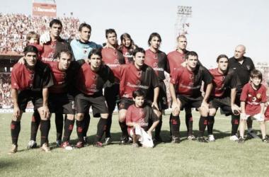 Foto del plantel previo al partido con Independiente. // Foto: Web.