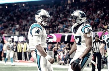 Newton y Funchess celebran el único TD de los Panthers: Fuente: Carolina Panthers