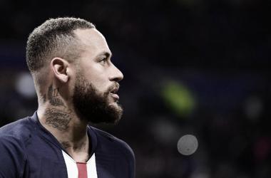 """Diretor do Borussia Dortmund se revolta com Neymar: """"Ele é um bom ator"""""""