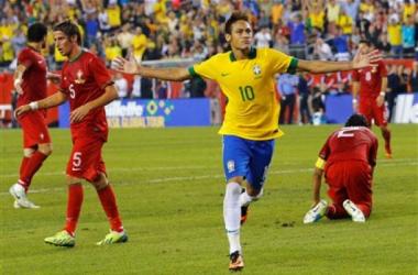 Neymar vibra na comemoração do 2-1 (Foto: REUTERS)