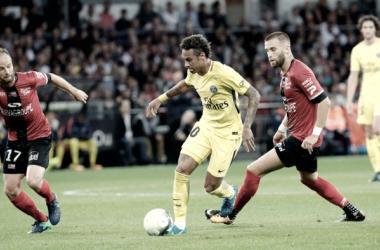 Neymar maravilla en su debut