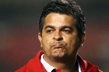 Após eliminação, Ney Franco fica e sete jogadores são afastados