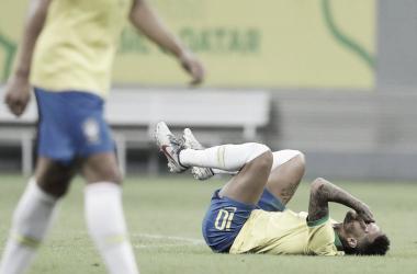 La tristeza de Neymar luego de recibir la falta.   Fuente: Mundo Deportivo.