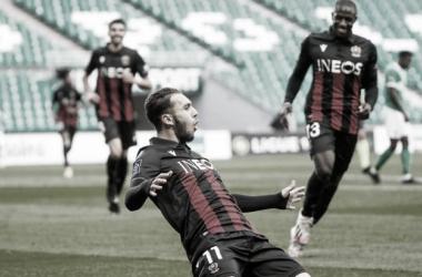 Nice mantém boa sequência na Ligue 1, cola no G-4 e aumenta crise no Saint-Étienne