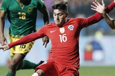 Nicolás Castillo en un partido de la Selección de Chile ante Jamaica (Foto: AS México)