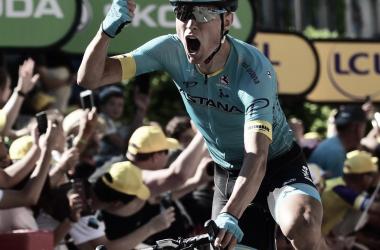 Magnus Cort Nielsen (Astana) celebrando la victoria en Carcassonne en el Tour 2018. Foto: @LeTour