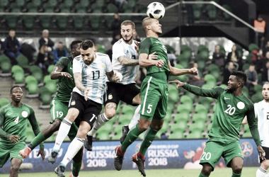 Argentina - Nigeria 2010: otro partido más en mundiales