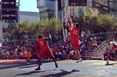See Why and Crossover Elite battle during the over 6 foot championship (Nike Basketball 3ON3 ‏Twitter)