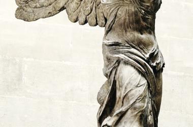 La Niké de Samotracia. Museo de El Louvre. Fuente: Wkipedia (PD).