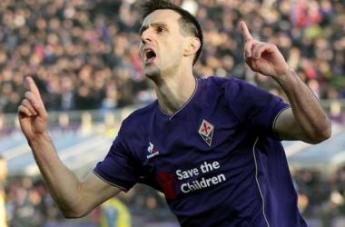 La Fiorentina passeggia 2-0 sul Chievo