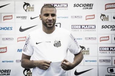 Santos anuncia contratação do atacante Nilson, ex-São Bento