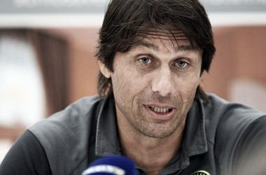 """Antonio Conte exigente: """"Para jugar en tres competiciones dos delanteros no son suficientes"""""""