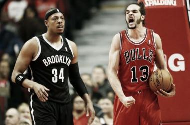 Noah comanda, garrafão domina, e Bulls vencem Nets em Chicago
