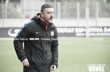 García Pimienta, técnico del Barça B   Foto: Noelia Déniz - VAVEL