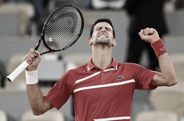 Novak Djokovic venceu Matteo Berrettini em Roland Garros 2021 (ATP / Divulgação)