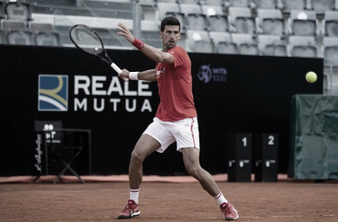 "<div><br></div><div><p style=""margin-bottom: 0cm; color: rgb(0, 0, 0); font-size: medium; font-style: normal; text-align: start;""><font size=""4""><b>Novak Djokovic, entrenando en Roma. Foto @InteBNLdItalia</b></font></p></div>"