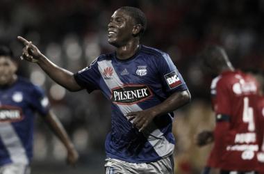 El goleador de los ecuatorianos se retiró lesionado en el último partido por el campeonato, lo cual lo marginaría del duelo copero. (Foto: EFE)