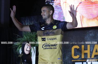 Jesús Chávez porta el uniforme de local (Foto: Cynthia Castillo / VAVEL)