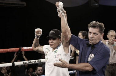 Boxing For You coroa nova campeã mundial Adriana Araújo