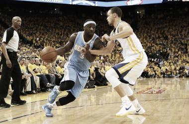 Los Warriors quieren cerrar la primera ronda en Denver