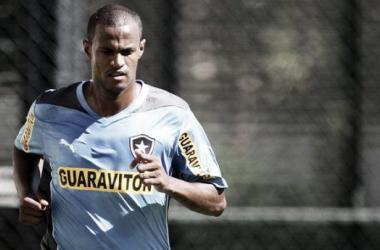 Airton foi um dos jogadores contratados para compor a equipe que disputou o Campeonato Carioca (Foto: Vitor Silva/SSPress)