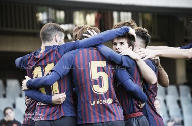El Barça B celebrando su gol ante el CD Ebro. Foto: Noelia Déniz, VAVEL