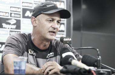 Técnico confirmou a permanência no ano de 2019 (Foto: Divulgação / Ceara)