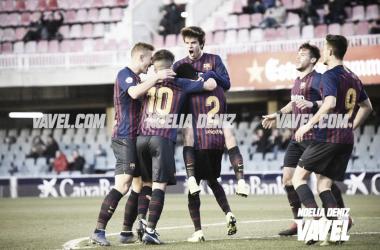 El Barça B celebrando el gol de Wague ante el CD Alcoyano. Foto: Noelia Déniz, VAVEL