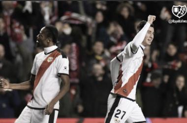 Santi celebrando el gol que encajó ante la Real Sociedad | Fotografía: Rayo Vallecano S.A.D.