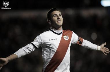 Embarba celebrando su gol ante la Real Sociedad   Fotografía: Rayo Vallecano S.A.D.