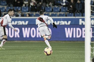 Raúl de Tomás tras su gol ante el Alavés | Fotografía: Rayo Vallecano S.A.D.