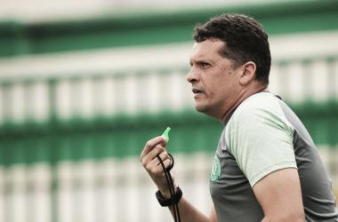 Técnico elogiou a equipe após vitória (Foto: Divulgação)