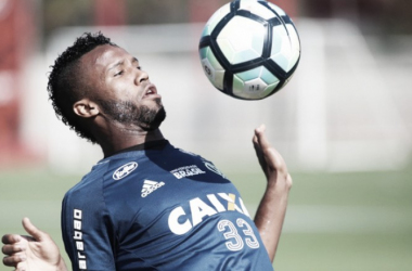 Flamengo e Universidad de Chile encaminham acordo por empréstimo de Rafael Vaz
