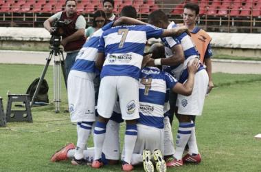 CSA joga para o gasto, supera ASA e se classifica às semifinais do Campeonato Alagoano