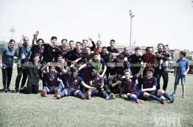El FCB Cadete A celebrando la décima Liga consecutiva. Foto: Noelia Déniz, VAVEL