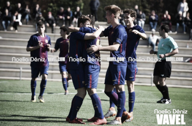 El FCB Juvenil A celebrando el gol de Nils Mortimer. Foto: Noelia Déniz, VAVEL