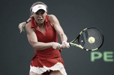 Muguruza solo puede jugar un set ante Wozniacki