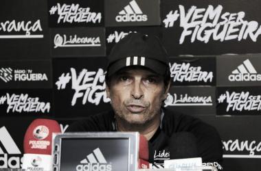 Para Milton Cruz, time foi prejudicado após expulsões de jogadores (Foto: Luiz Henrique/Figueirense FC)