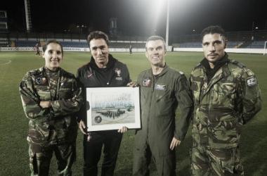 Rui Jorge frente a los miembros de las Fuerzas Aéreas | Foto: Web oficial Federación Portuguesa