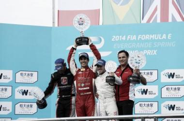 Lucas di Grassi vence a primeira corrida da Fórmula E
