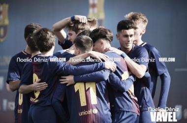 El FCB Juvenil A celebrando un gol contra El Olivar. Foto: Noelia Déniz, VAVEL